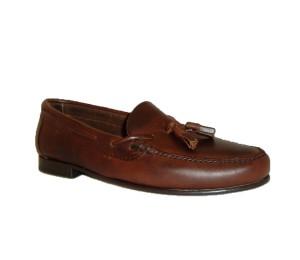 zapato-mujer-mocasin-piel-vegetal-marron-borlas-pisosuela-castellano-a_o1920-2205