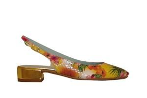 zapato-chanelita-destalonado-mujer-piel-estampado-floral-tacon-grueso-bajo-hebilla-candelitas