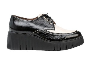 zapato-abotinado-mujer-piel-cordones-negro-blanco-memory-gel-piso-extralight-wonders